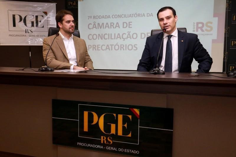 Leite e o procurador-geral do Estado, Eduardo Cunha da Costa, lançaram a nova rodada de negociações