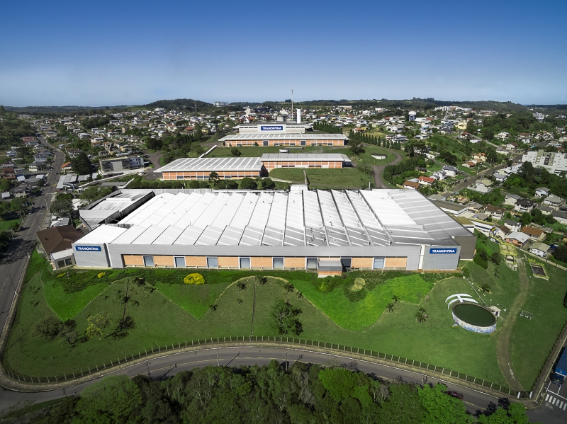 Empresa da serra gaúcha contribuiu para complexo hospitalar em Porto Alegre, além de ter doado cestas básicas e equipamentos em sua região
