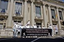 Sindisaúde-RS faz manifestação no Piratini por falta de equipamentos