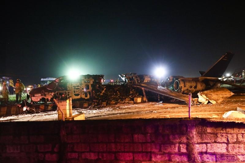 Aeronave pegou fogo ao chegar no fim da pista de decolagem