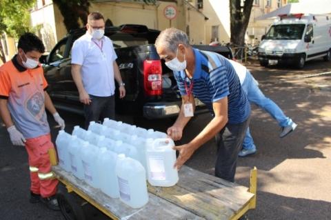 Álcool gel apreendido em farmácia vai para hospital em São Leopoldo
