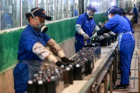 Bolsas asiáticas fecham majoritariamente em alta após alívio com PMIs chineses