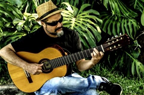 Projeto Ecarta Musical recebe o compositor James Liberato