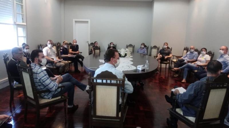 Novas regras foram debatidas em reunião do poder público com setores da comunidade florense