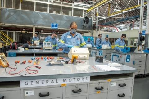 Parceria entre Senai e empresas permite manutenção de respiradores para hospitais