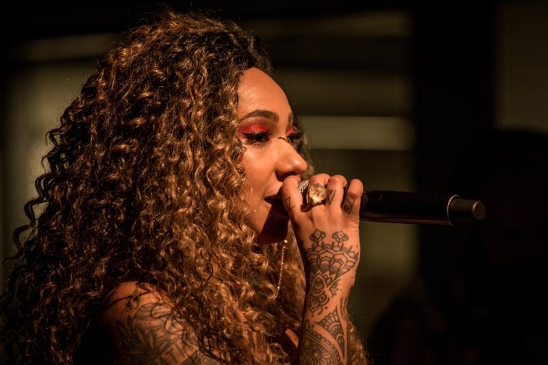 Poeta foi a primeira mulher a vencer campeonato internacional Rio Poetry Slam