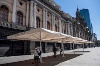 Chile enfrenta aumento de casos e adota lockdown em Santiago