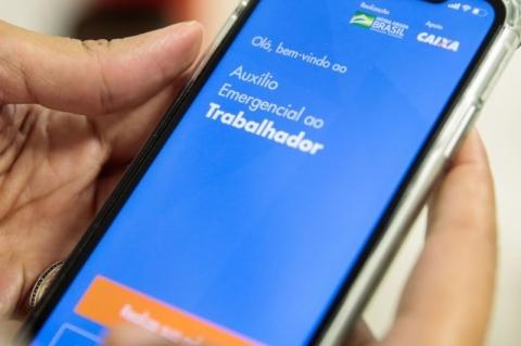 Bolsonaro barra motoristas de app e outras categorias em vetos à ampliação de auxílio