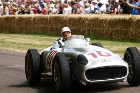 Lenda da Fórmula 1, Stirling Moss morre em Londres aos 90 anos