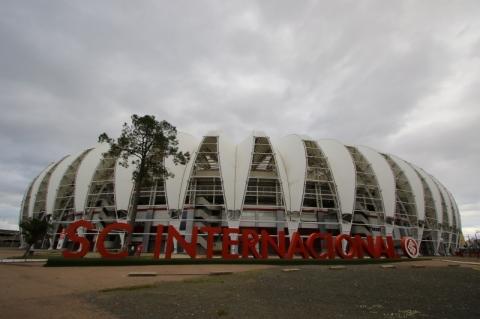 Prefeitura de Porto Alegre adia decisão sobre o local do Grenal 425