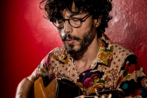 Juliano Guerra se apresenta em ação cultural on-line da Pucrs