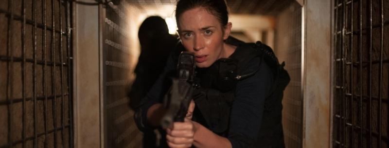 Emily Blunt é uma agente do FBI em 'Sicario - Terra de ninguém'