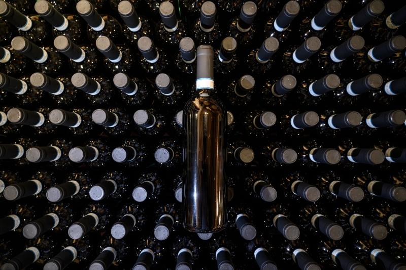 Tributação do vinho nacional, entre 52% e 60% por garrafa, prejudica o desenvolvimento do setor