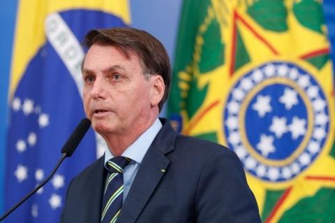 Bolsonaro afirma em live que pente-fino no auxílio emergencial deve levar 10 dias