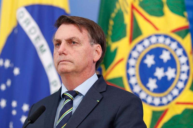 Bolsonaro fala em 'interferir na PF' preocupado com alguém de sua família ou amigos