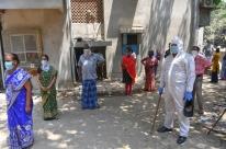 Índia dá sequência a relaxamento na quarentena onde pandemia está controlada