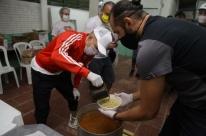 D'Alessandro se une a Barcos em ação solidária em Canoas