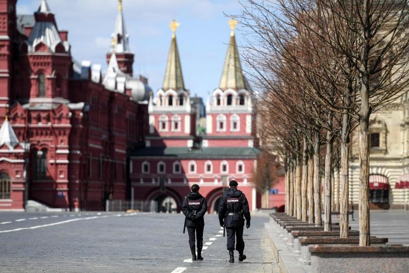 O presidente Vladimir Putin diz que que medidas sanitárias continuarão em vigor