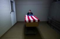 Trump espera que mortes por covid-19 nos EUA fiquem abaixo de 100 mil