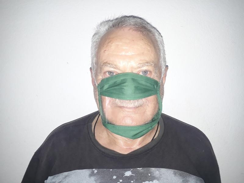 Uma das ideias premiadas são máscaras transparentes na boca para facilitar comunicação com surdos