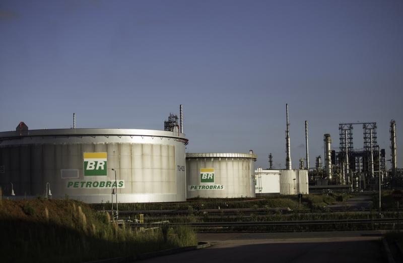 O petróleo WTI para janeiro fechou em queda de 0,26% (US$ 0,11), a US$ 41,90 o barril