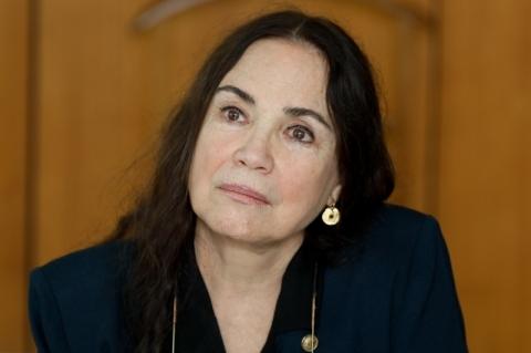 Regina Duarte se diz vítima de 'infodemia' e garante que vai mostrar serviço