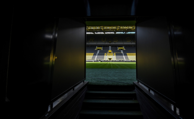 Signal Iduna Park, casa do Borussia Dortumund, receberá o clássico no dia 16 de maio