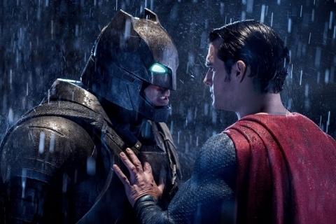 Super-heróis na Globo e outras atrações da telinha nesta segunda-feira
