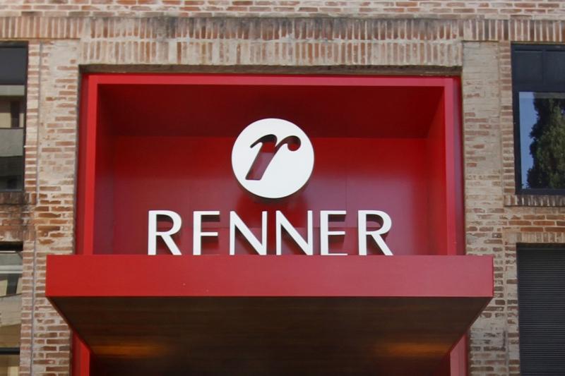Ações da Renner registraram alta significativa no pregão de sexta-feira