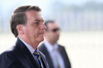 Pazuello, ministro interino da Saúde, 'vai ficar por muito tempo', diz Bolsonaro