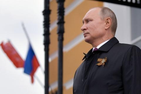 Russos aprovam mudança que pode deixar Putin no poder até 2036