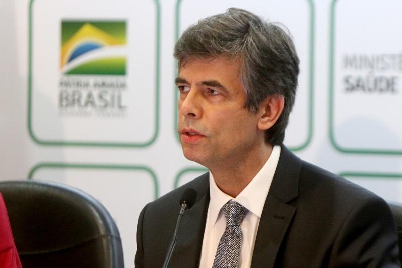 Segundo ex-ministro da saúde Nelson Teich, aceitar o cargo não seria coerente