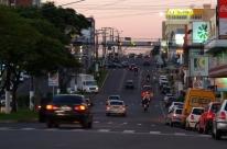 Alto número de carros em Lajeado desafia mudanças no planejamento da cidade