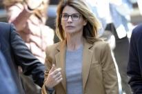 Lori Loughlin aceita acordo e se declarará culpada por suborno de universidade