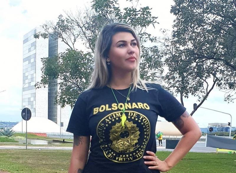 Sara confirmou ser apoiadora de Bolsonaro, mas disse que não recebe ajuda financeira do governo