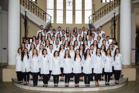 Brasil ganhou mais de 5 mil médicos com antecipação de formatura para enfrentar Covid-19