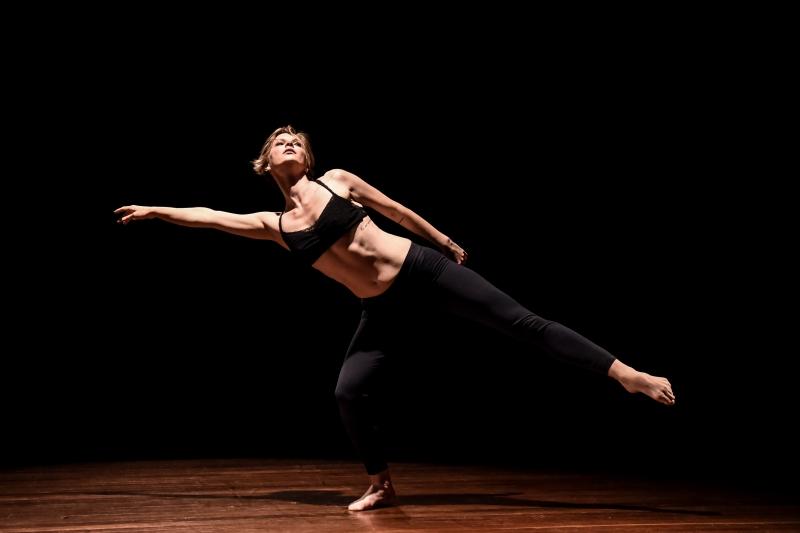 Bailarina Vanessa de Ivanoff mantém, desde a adolescência, um diário de dança