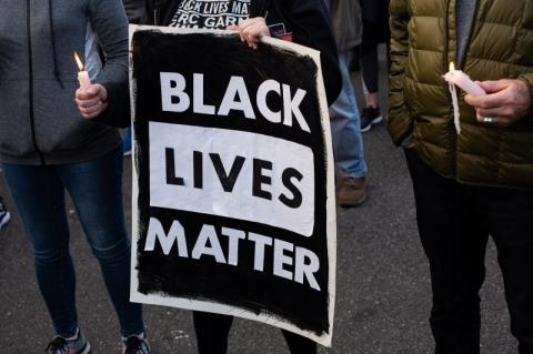 Washington tem maior protesto contra racismo e brutalidade policial