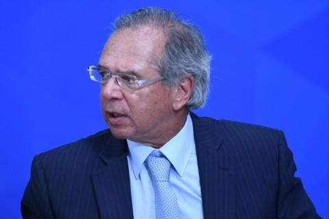 Guedes: 'FMI estimou queda de 9% para o PIB do Brasil em 2020, acho que vão errar'