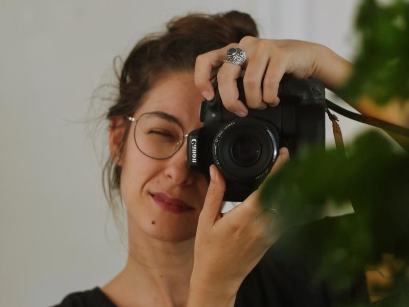 Pesquisadora do imaginário, fotógrafa Anelise de Carli lançou perfil na rede social
