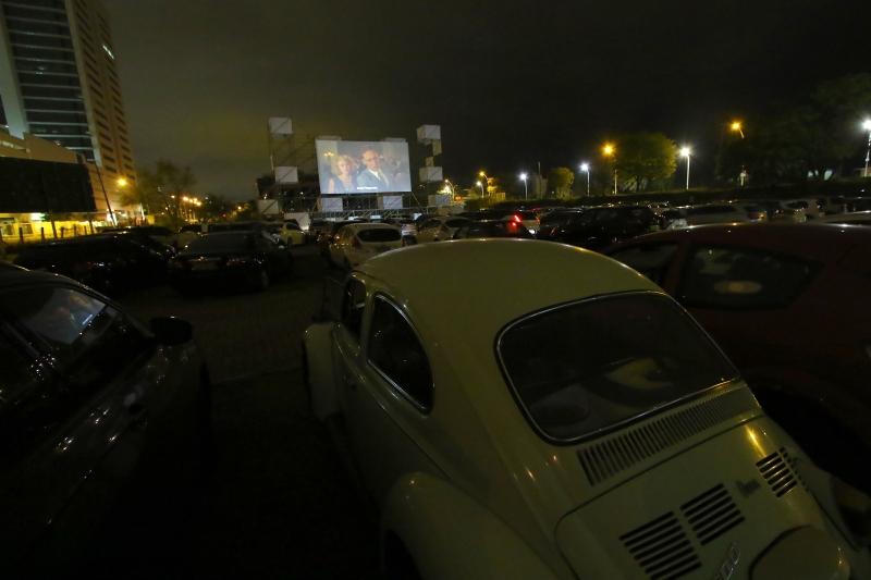 Cinema ao ar livre teve primeiro empreendimento na Capital em 1970; modelo voltou 50 anos depois, no estacionamento da ADVB
