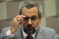 Parlamentares tentam suspender revogação de Weintraub a cotas para negros