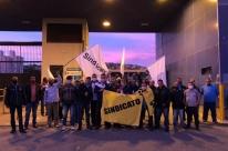Rodoviários de Porto Alegre protestam contra redução de salários e demissões