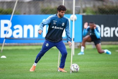Grêmio aguarda retorno de Victor Ferraz