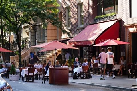 Nova Iorque: Restaurantes avançam até a rua para abrir na pandemia