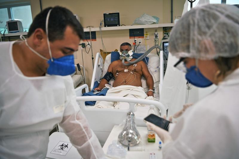 Mais 449 mortes estão sendo investigadas, sob suspeita de terem sido causadas pela covid-19, e 273.909 pacientes se curaram