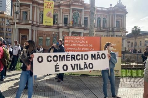 Protestos em Porto Alegre pedem reabertura do comércio e de academias