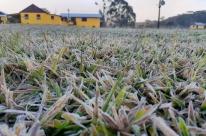 Frio com geada muda paisagem em São José dos Ausentes; chuva volta ao RS