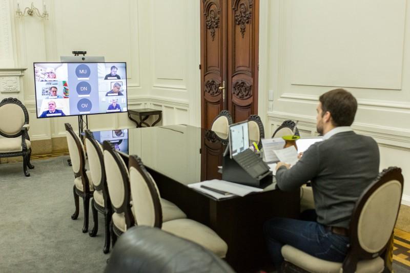 Anúncio foi feito durante reunião virtual entre Leite, secretária Arita Bergmann e deputados