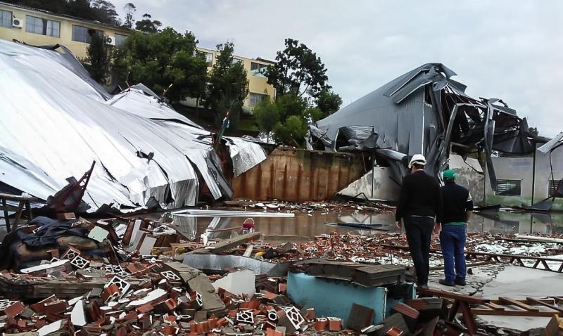 Palmitos, no oeste catarinense, também registrou destruição devido aos fortes ventos